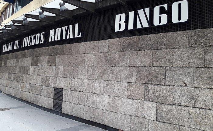 Bingo Royal Coruña Comar, Exteriores