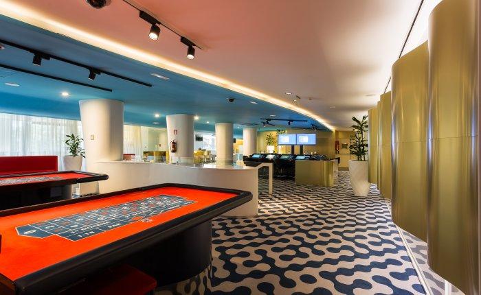 Casino Atlántico Comar, Mesas Sala Juegos