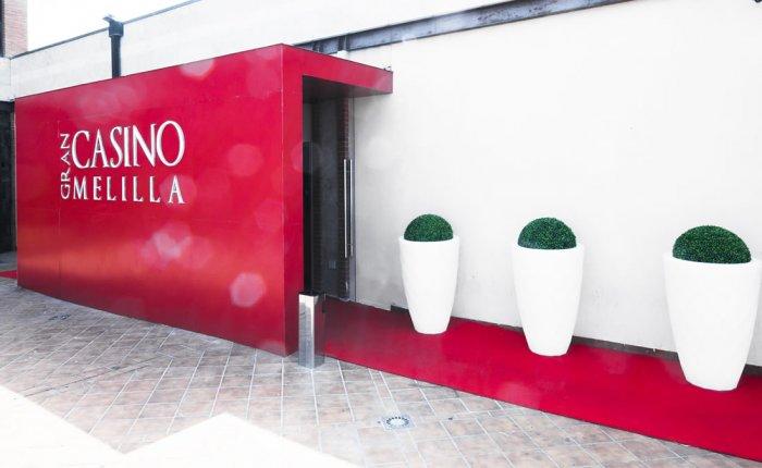 Gran Casino Melilla Comar, Entrada Exterior