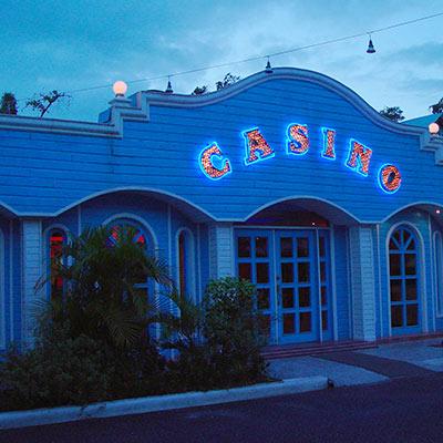 Casino Bahia Principe Comar, Entrada