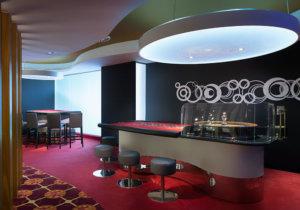 Casino El Embajador Comar, Sala de juego