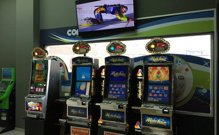 Salones Grupo Comar, Máquinas de juego