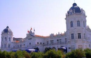 Gran Casino Sardinero Comar, Exterior