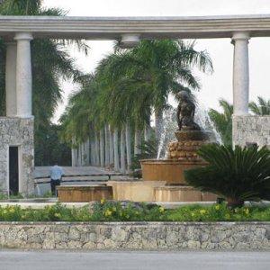 Casino Sirenis Comar, Exteriores